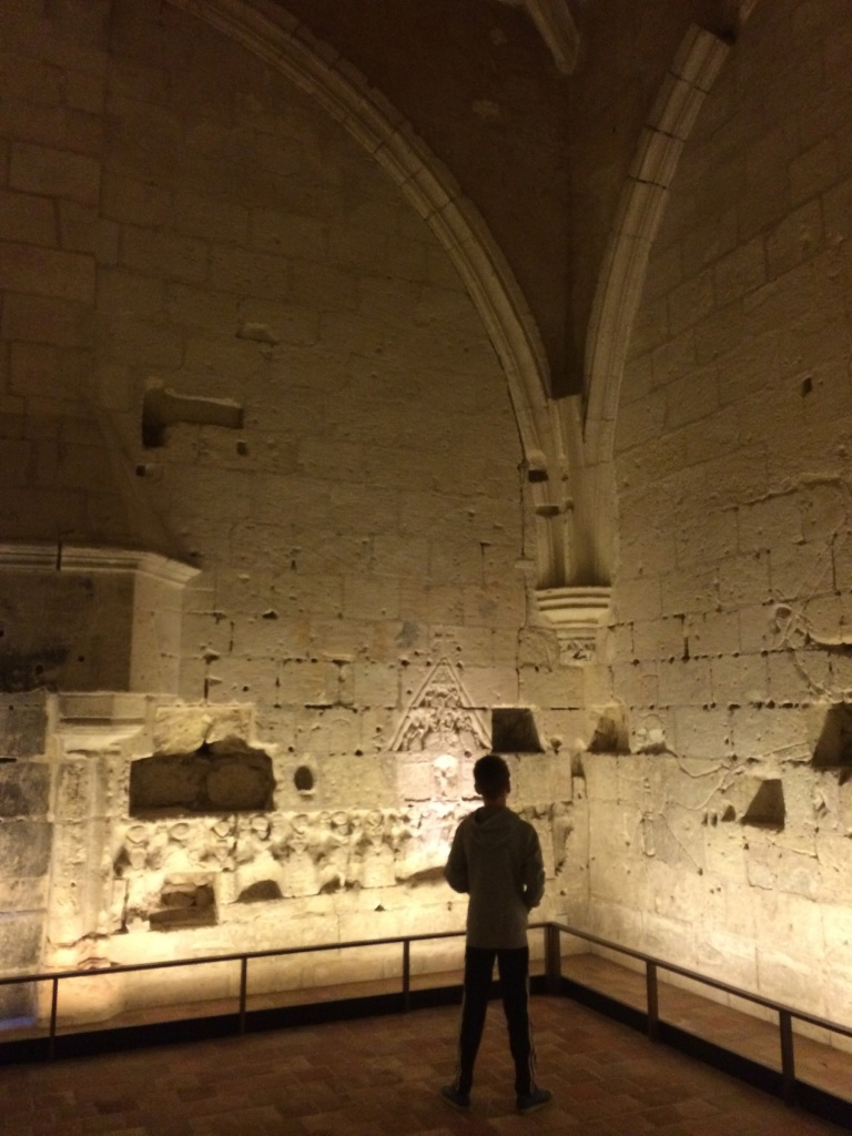 Salle de Graffiti, walls adorned with hundreds of years' drawings, words, names...