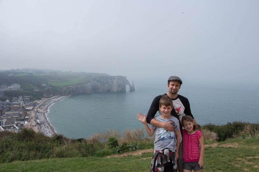 kids and derek on cliff