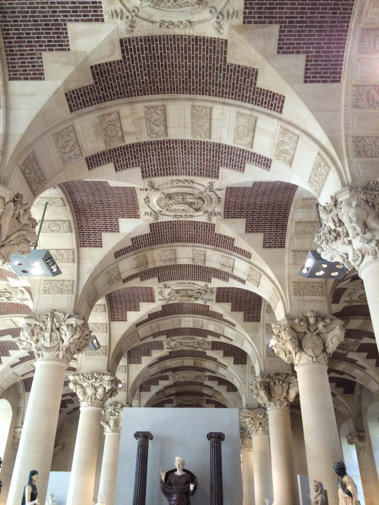 My favourite thing about the Louvre was the architecture. These vaulted tiled ceilings kinda blew my mind.