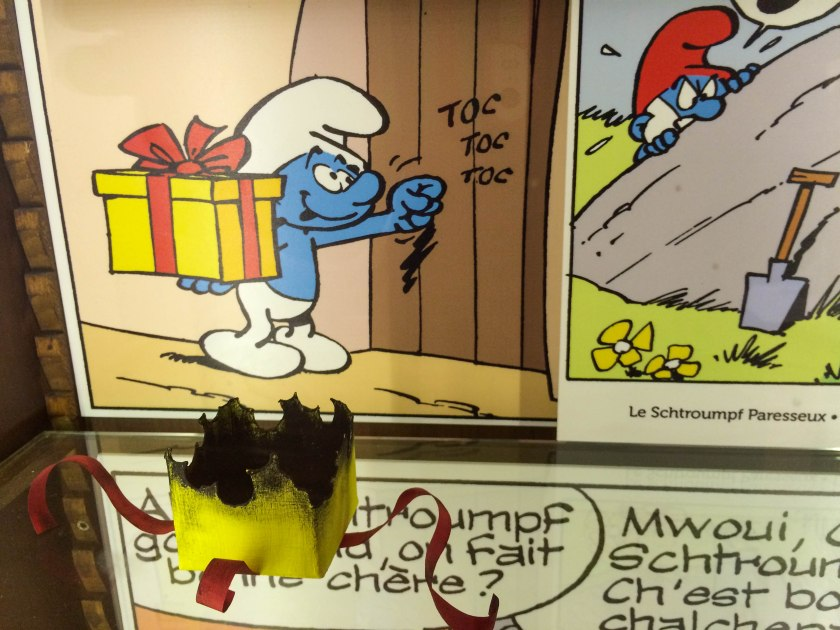 My personal favourite of the amazing Smurf Artifacts, Jokey's present!