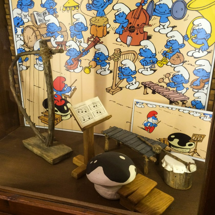 The Smurf Band - I love Papa Smurf's toadstool stand.