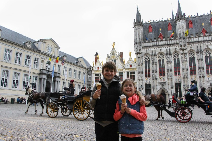 Of course we had ice cream in the middle of October! Kids in Grote Markt.