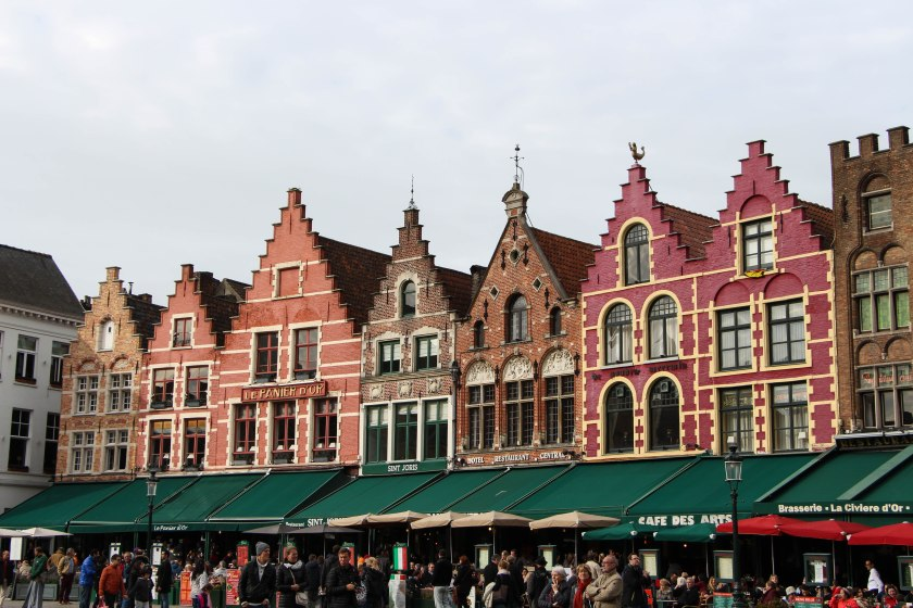 Yep, more charming colourful buildings in Grote Markt.
