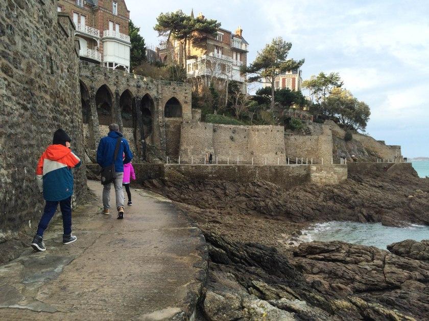 beach wall walk