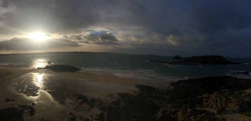 wonky panorama beach