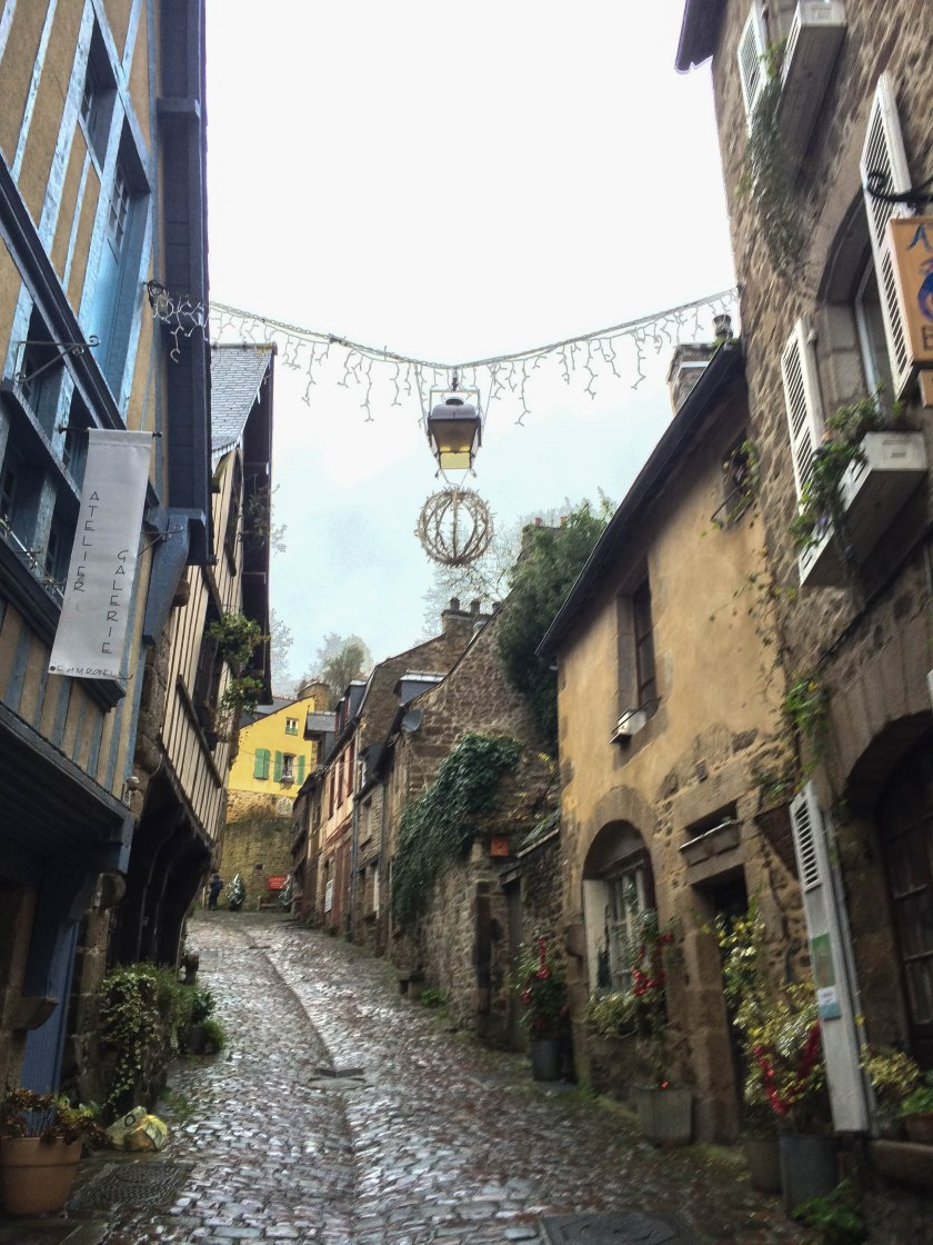 cobbled streets of dinan