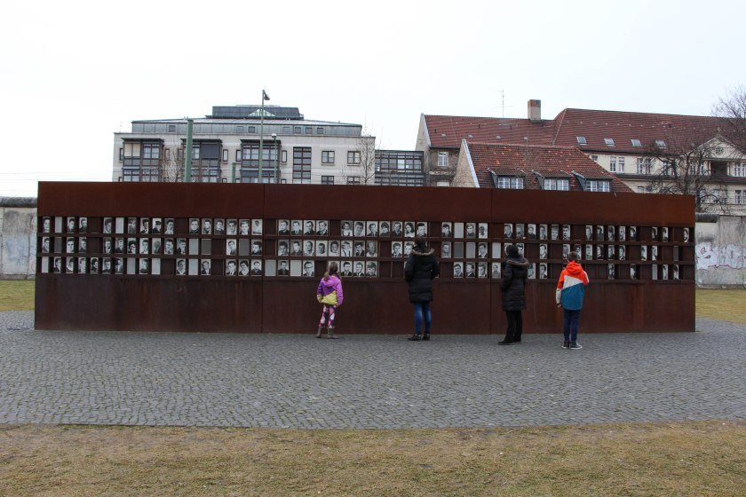 berlin wall memorial faces