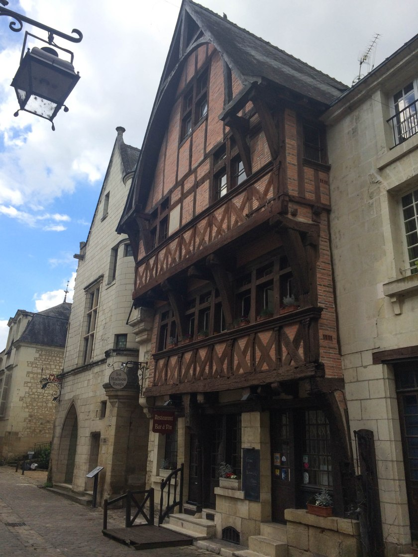 chinon medieval town