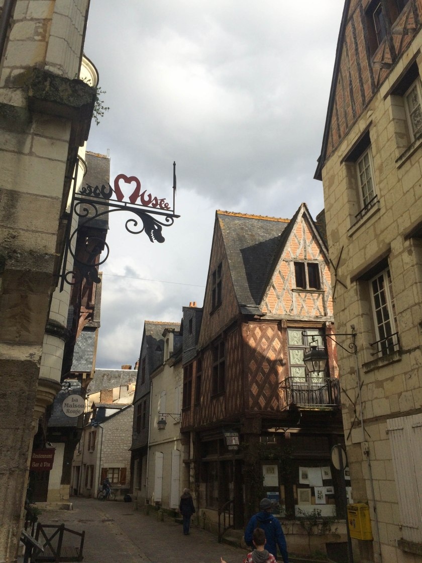 chinon medieval town musee
