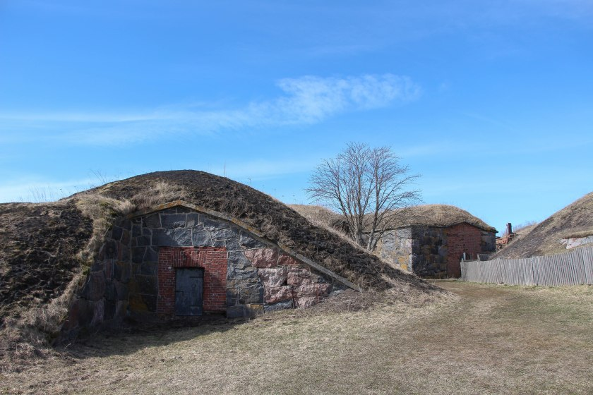 sod and rock hut on suomenlinna
