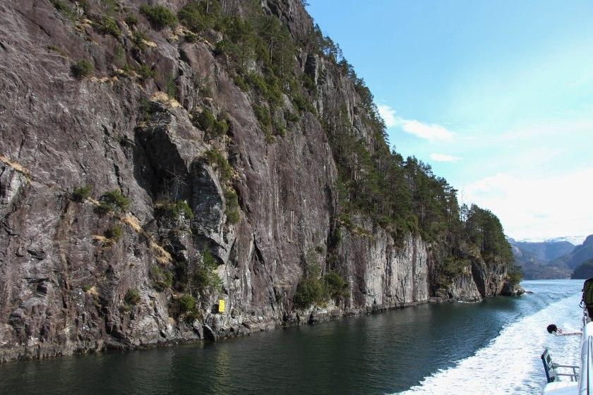 fjord granite edge