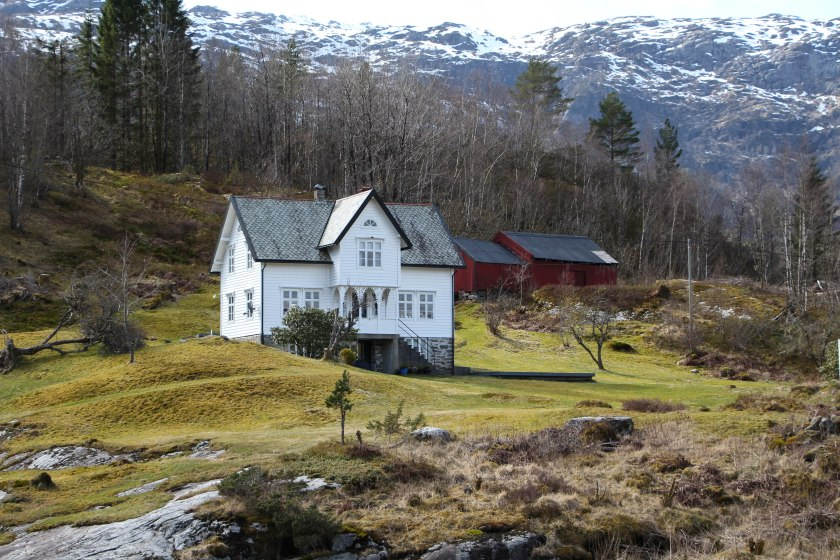 fjord white house close