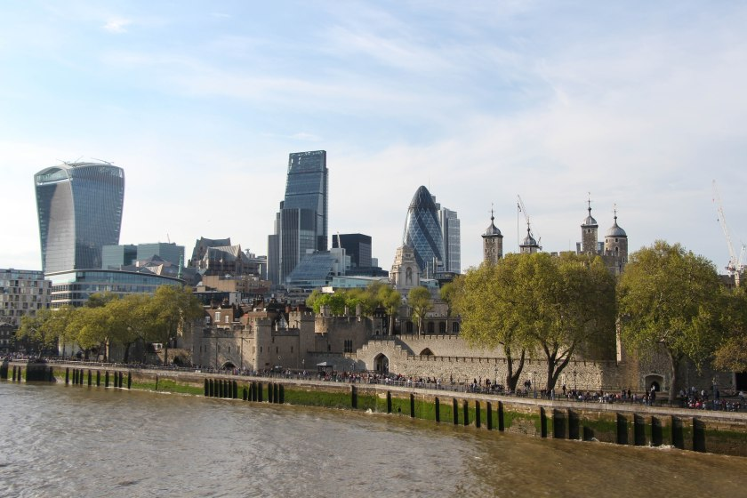 tower of london with new background