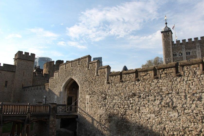 tower of london drawbridge