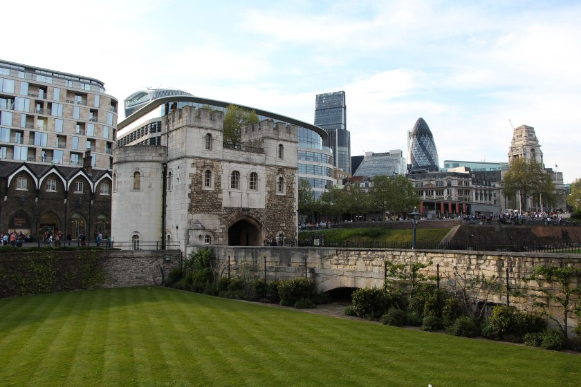 tower of london grass front