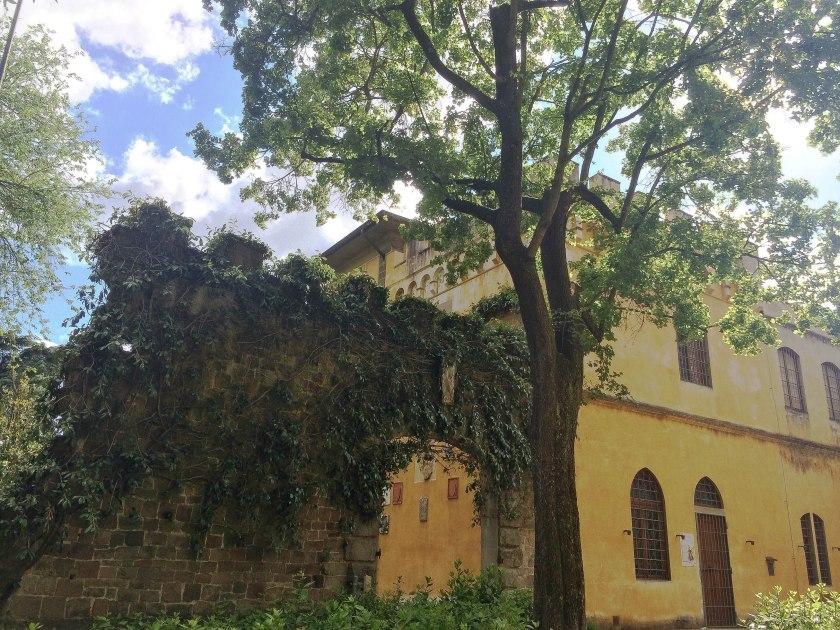 stibbert garden wall